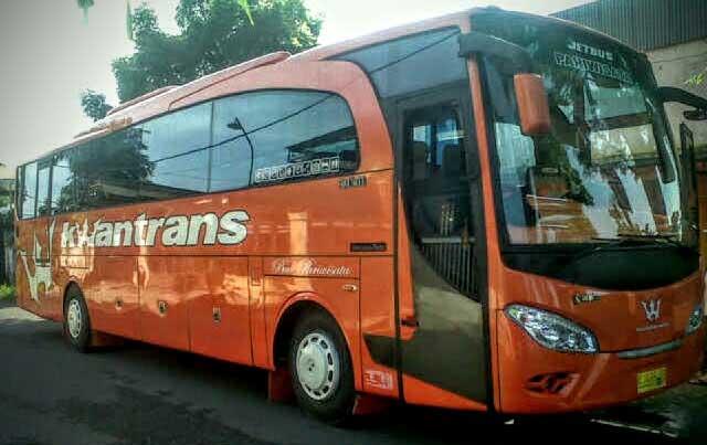 Sewa Bus Pariwisata Kwantrans Orange Malang