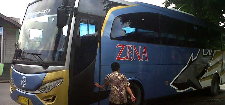 Sewa Bus Pariwisata Zena Trans Malang