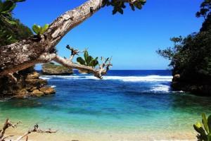 wisata pantai ngliep di malang