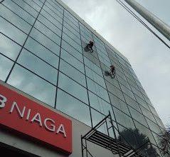 Jasa Pembersih Gedung Kaca di Malang