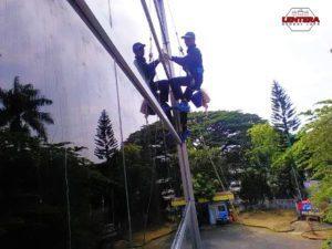 Pembersih Gedung Kaca Malang